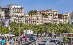 Arquitectura a lo largo de la avenida de Columbus en Barcelona Foto de archivo