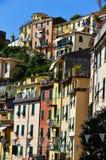 Arquitectura mediterránea tradicional de Riomaggiore, Italia Imagenes de archivo