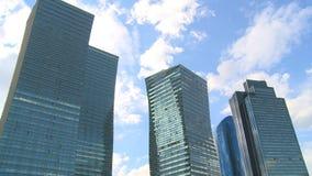 Arquitectura moderna de la capital de la República de Kazajistán Paisaje de la ciudad almacen de metraje de vídeo