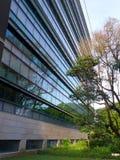 Arquitectura moderna del campus universitario Imágenes de archivo libres de regalías