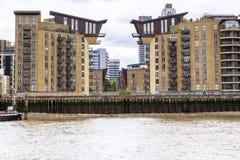 Arquitectura moderna del terraplén de la isla de perros, Londres fotografía de archivo libre de regalías