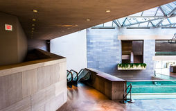 Arquitectura moderna en el edificio del este del National Gallery Foto de archivo libre de regalías