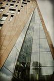 Arquitectura moderna y estilo retro de las reflexiones Foto de archivo