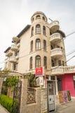 Arquitectura original en el cuarto Sarafovo, Bulgaria de Burgas imagen de archivo libre de regalías