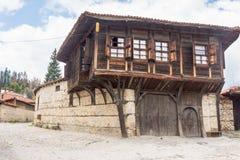 arquitectura Piedra-de madera en Koprivshtitsa, Bulgaria Foto de archivo libre de regalías