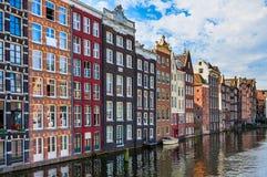 Arquitectura típica en Amsterdam imagen de archivo libre de regalías