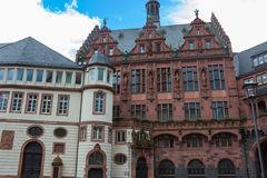 Arquitectura típica en la ciudad vieja de Frankfurt-am-Main en Alemania Imágenes de archivo libres de regalías