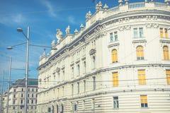 Arquitectura tradicional en ciudad vieja en Viena, Austria fotografía de archivo