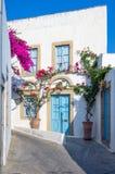 Arquitectura tradicional en el chora de la isla de Patmos, Dodecanese, Grecia Imagen de archivo libre de regalías