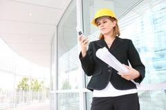 Arquiteto da mulher no canteiro de obras Foto de Stock Royalty Free