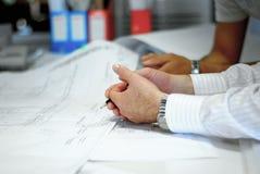 Arquiteto durante o trabalho Foto de Stock