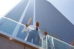Arquiteto novo bem sucedido imagem de stock royalty free