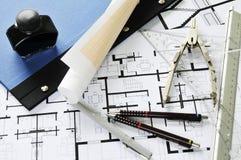 Arquitetos mesa e ferramentas imagem de stock