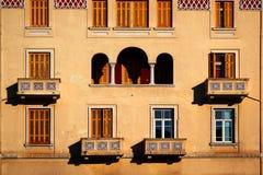 Arquitetura bonita da janela fotos de stock royalty free