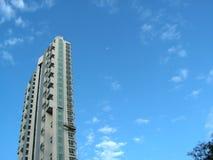 Arquitetura bonita e céu imagem de stock