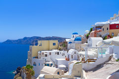 Arquitetura da vila de Oia na ilha de Santorini Fotos de Stock Royalty Free