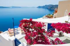 Arquitetura branca na ilha de Santorini, Grécia Fotos de Stock Royalty Free