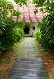 Arquitetura chinesa da casa da quinta nos trópicos Imagens de Stock Royalty Free