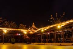 Arquitetura chinesa da noite Ilha de Hainan, China fotos de stock