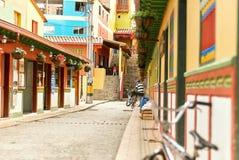 Arquitetura colonial em Guatape, Colômbia imagem de stock