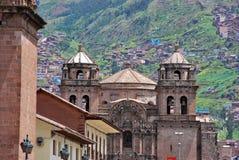 Arquitetura colonial típica em Cusco fotos de stock