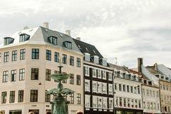 Arquitetura colorida em Copenhaga, Dinamarca foto de stock royalty free