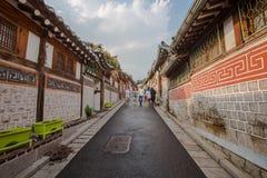 Arquitetura coreana do estilo em Bukchon Hanok Villagein Seoul, Coreia do Sul foto de stock