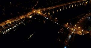 Arquitetura da cidade bonita de Praga na noite, República Checa, vista aaerial video estoque