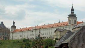Arquitetura da cidade checa velha no dia de verão vídeos de arquivo