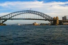 Arquitetura da cidade com ponte do porto Imagens de Stock