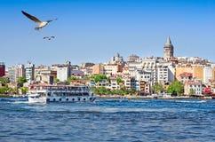 Arquitetura da cidade com torre Istambul de Galata, Turquia Fotos de Stock Royalty Free