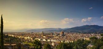 Arquitetura da cidade da antena do por do sol de Florença ou de Firenze Toscânia, Italy Fotos de Stock Royalty Free