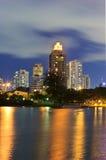 Arquitetura da cidade da noite Foto de Stock