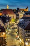 Arquitetura da cidade da noite, Nuremberg, Alemanha Imagens de Stock Royalty Free