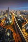 Arquitetura da cidade de Banguecoque no crepúsculo foto de stock royalty free