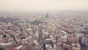 Arquitetura da cidade de Belgrado no dia nebuloso filme