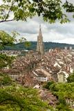 Arquitetura da cidade de Berna com a catedral de Muenster, Suíça, Imagens de Stock