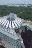 Arquitetura da cidade de cima no quadrado de Potsdam em Berlim, centro de Sony fotos de stock royalty free