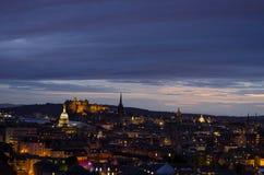 Arquitetura da cidade de Edimburgo no crepúsculo Imagem de Stock