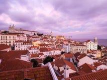 A arquitetura da cidade de Lisboa, Portugal, considerado de Portas faz o solenoide, Foto de Stock Royalty Free