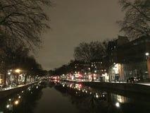 Arquitetura da cidade de Paris na noite imagens de stock royalty free