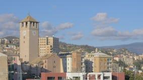 Arquitetura da cidade de Savona com Torre del Brandale video estoque