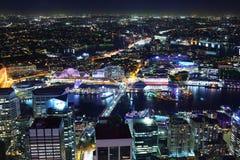 Arquitetura da cidade de Sydney na noite Fotografia de Stock Royalty Free
