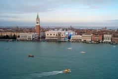 Arquitetura da cidade de Veneza de uma vista aérea fotografia de stock royalty free
