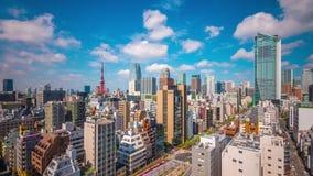 Arquitetura da cidade do Tóquio, do Japão e torre video estoque