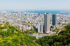 Arquitetura da cidade e skyline de Kobe com opinião do porto da montanha fotografia de stock royalty free
