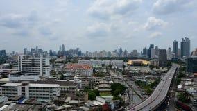 Arquitetura da cidade e transporte no dia, Timelapse filme