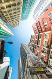 Arquitetura da cidade futurista de Hong Kong com semáforo do tráfego Imagens de Stock Royalty Free