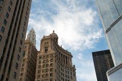 Arquitetura da cidade moderna e velha de Chicago do centro das construções Foto de Stock Royalty Free