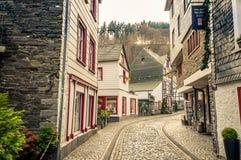 Arquitetura da cidade Monschau, Gemany Fotos de Stock Royalty Free